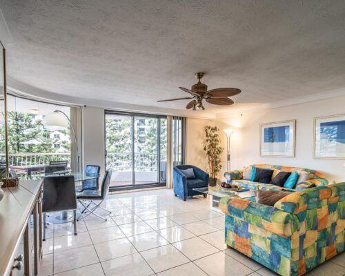 broadbeach-gold-coast-2bed-standard-apartments1