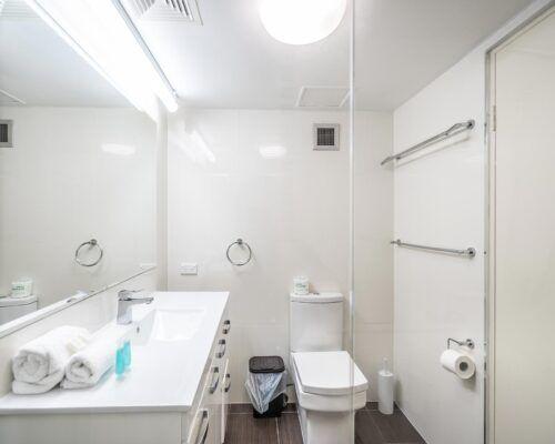 broadbeach-gold-coast-2bed-standard-apartments5