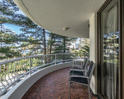 broadbeach-gold-coast-standard-apartments14