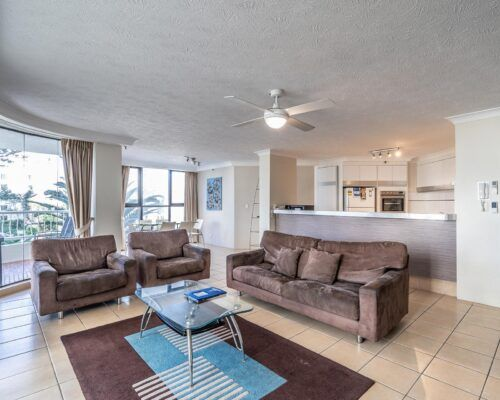 broadbeach-gold-coast-standard-apartments2
