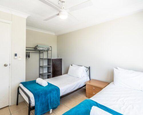 broadbeach-gold-coast-standard-apartments20