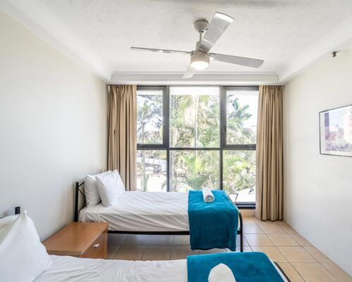 broadbeach-gold-coast-standard-apartments21