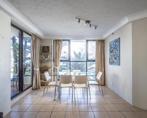 broadbeach-gold-coast-standard-apartments3