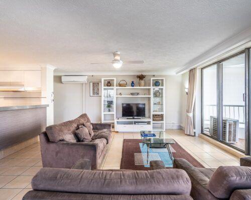 broadbeach-gold-coast-standard-apartments4