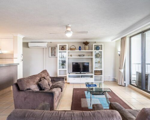 broadbeach-gold-coast-standard-apartments5