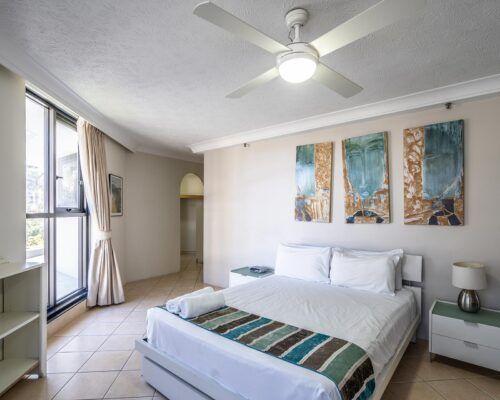broadbeach-gold-coast-standard-apartments9